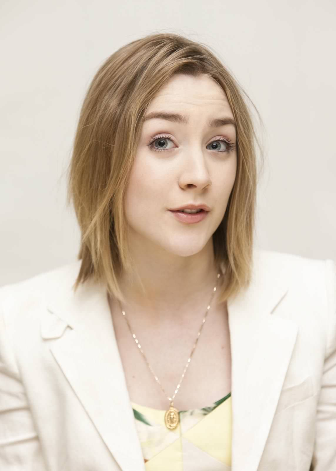 Saoirse Ronan Photo Gallery
