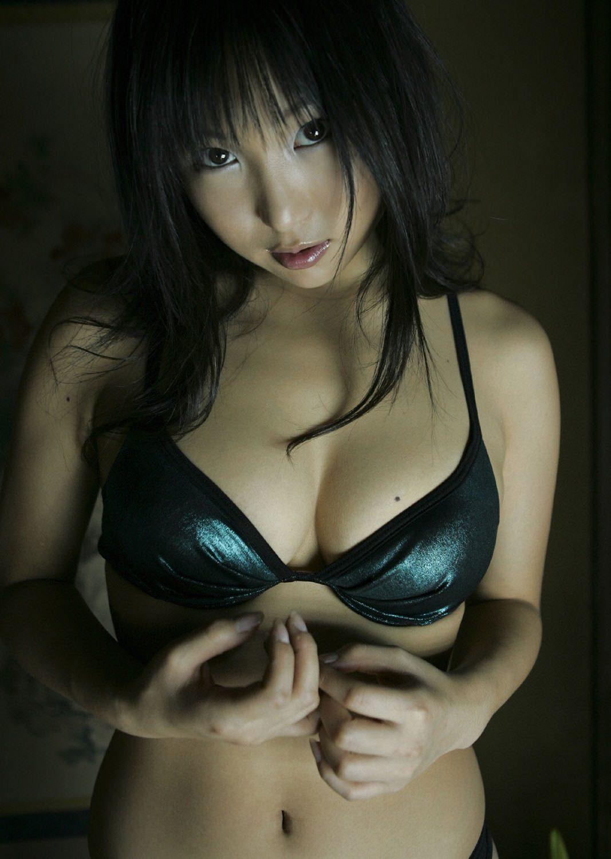 Saori Yamamoto Photo Gallery