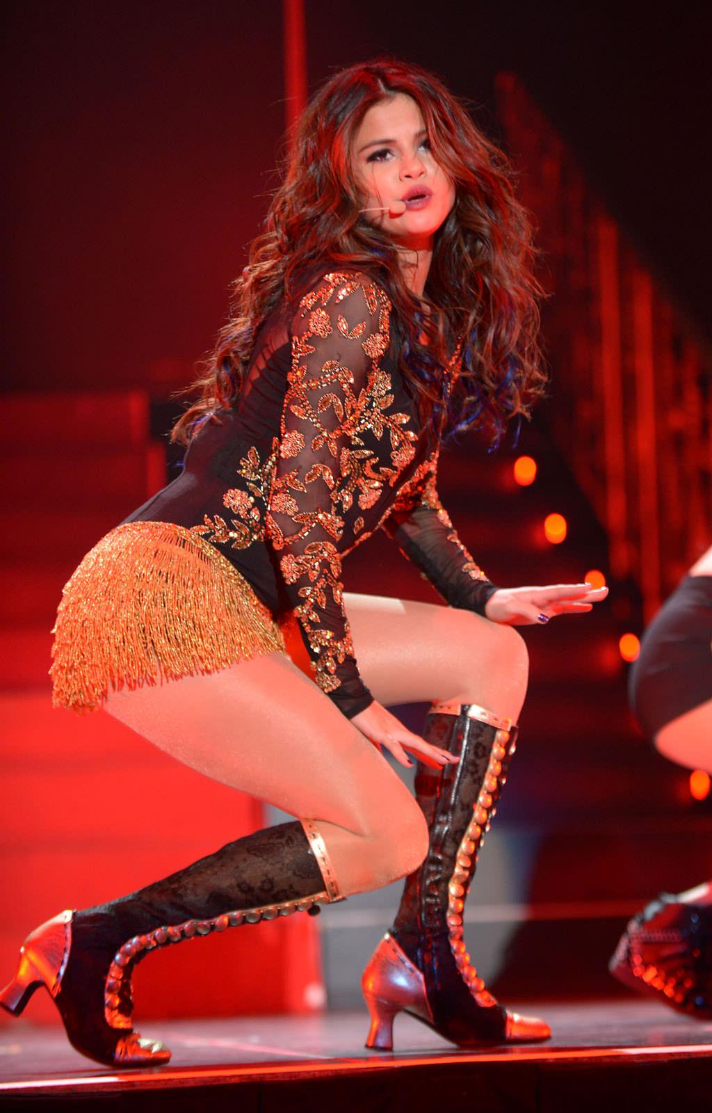 Selena Gomez Photo Gallery