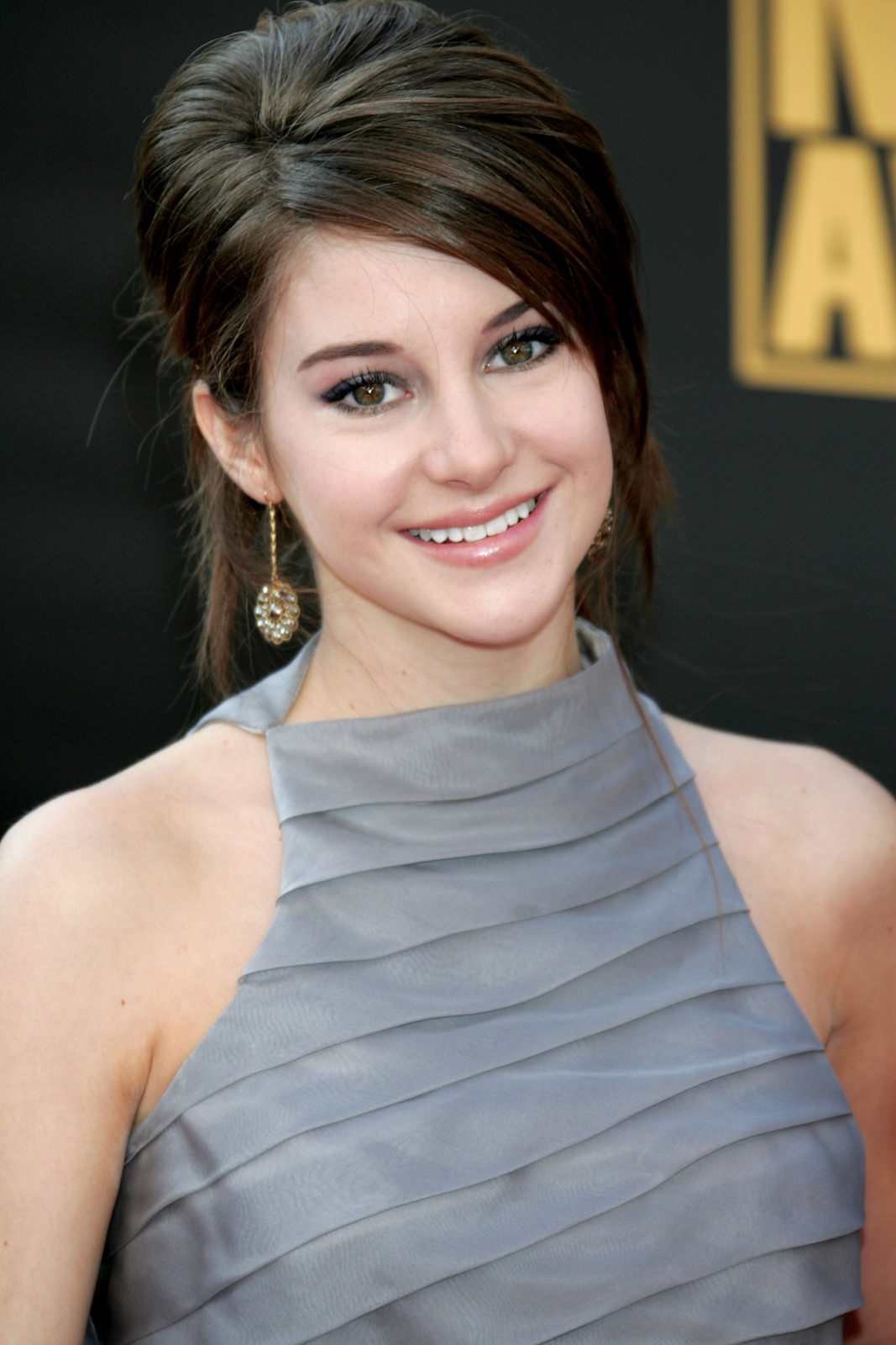 Shailene Woodley Photo Gallery