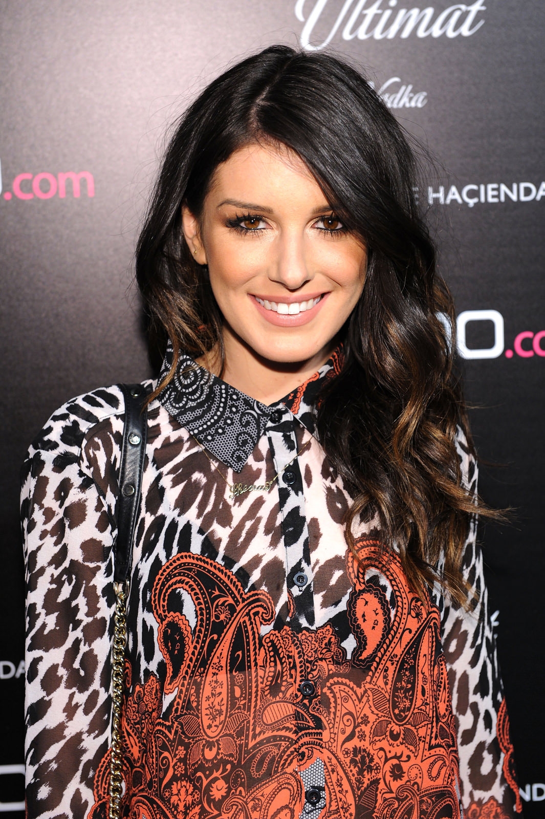 Shenae Grimes Photo Gallery