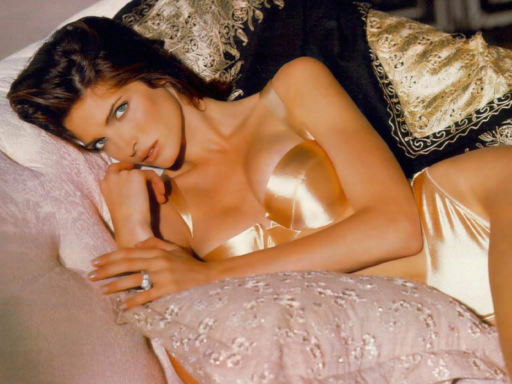 Stephanie Seymour Photo Gallery