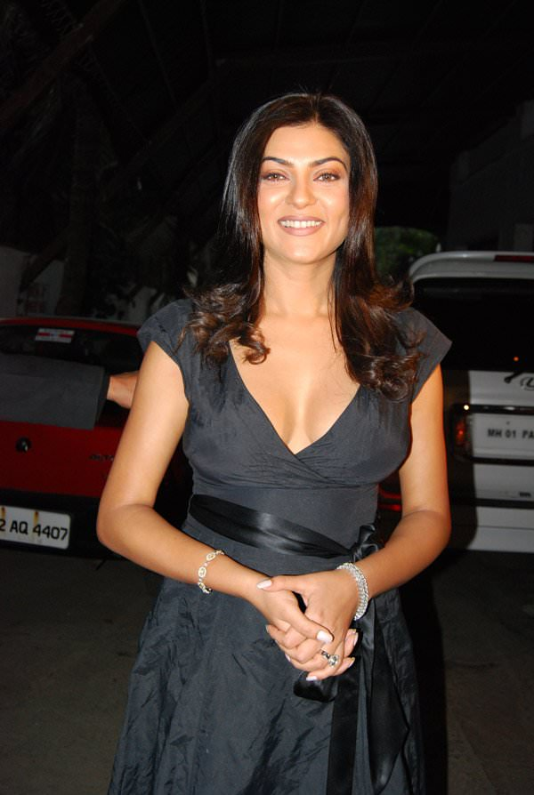 Sushmita Sen Photo Gallery