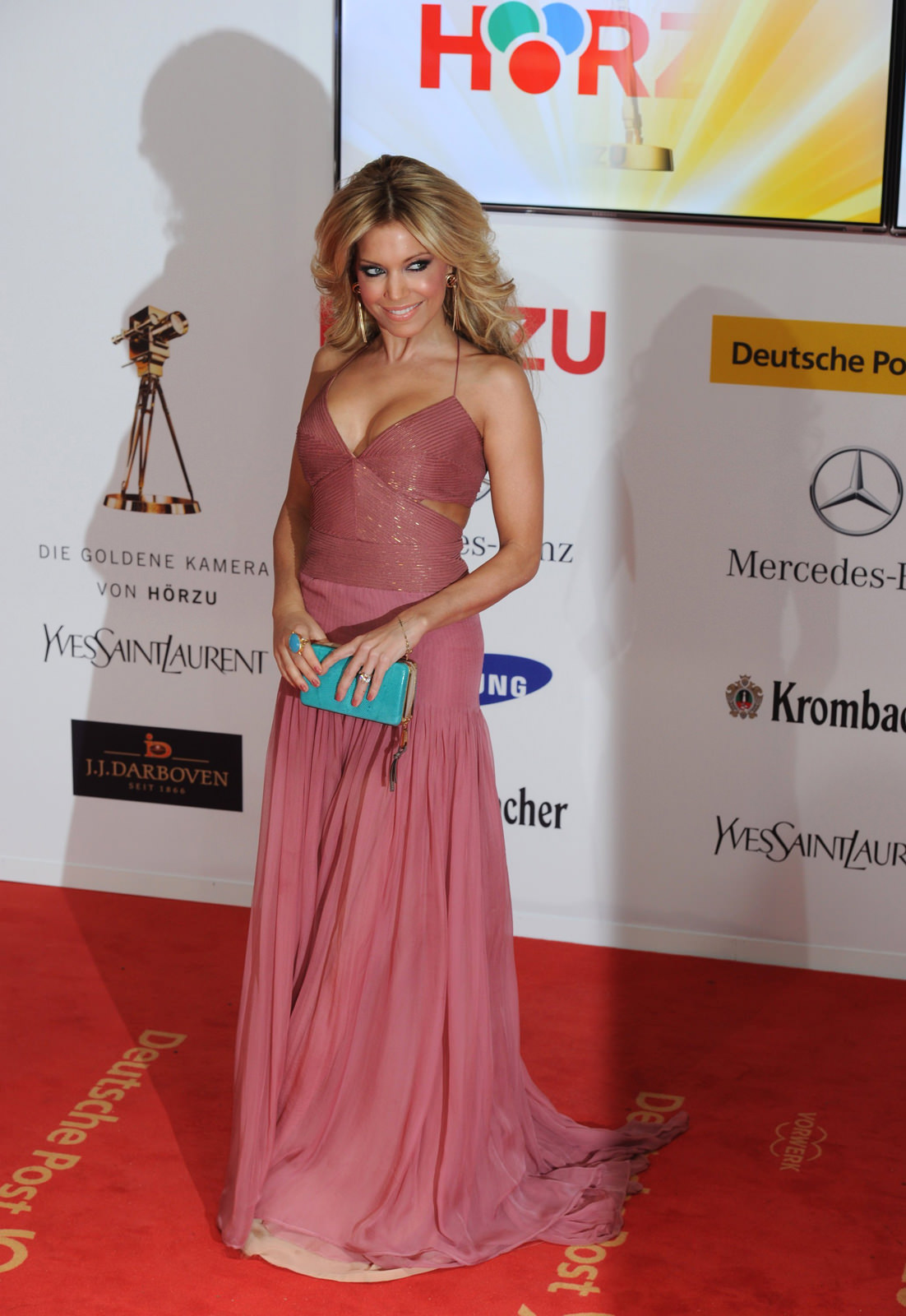 Sylvie van der Vaart Photo Gallery