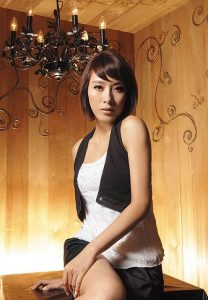 PREVIEW HK ARTISTS WORLD STAR: LOOK AT TAVIA YEUNGS HAIR