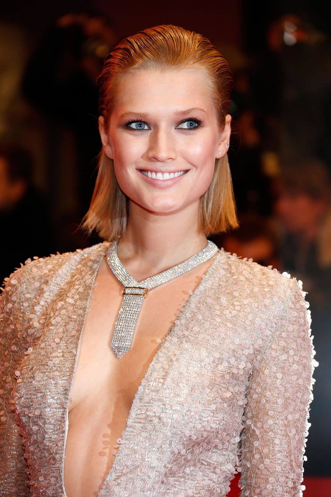 Toni Garrn Photo Gallery