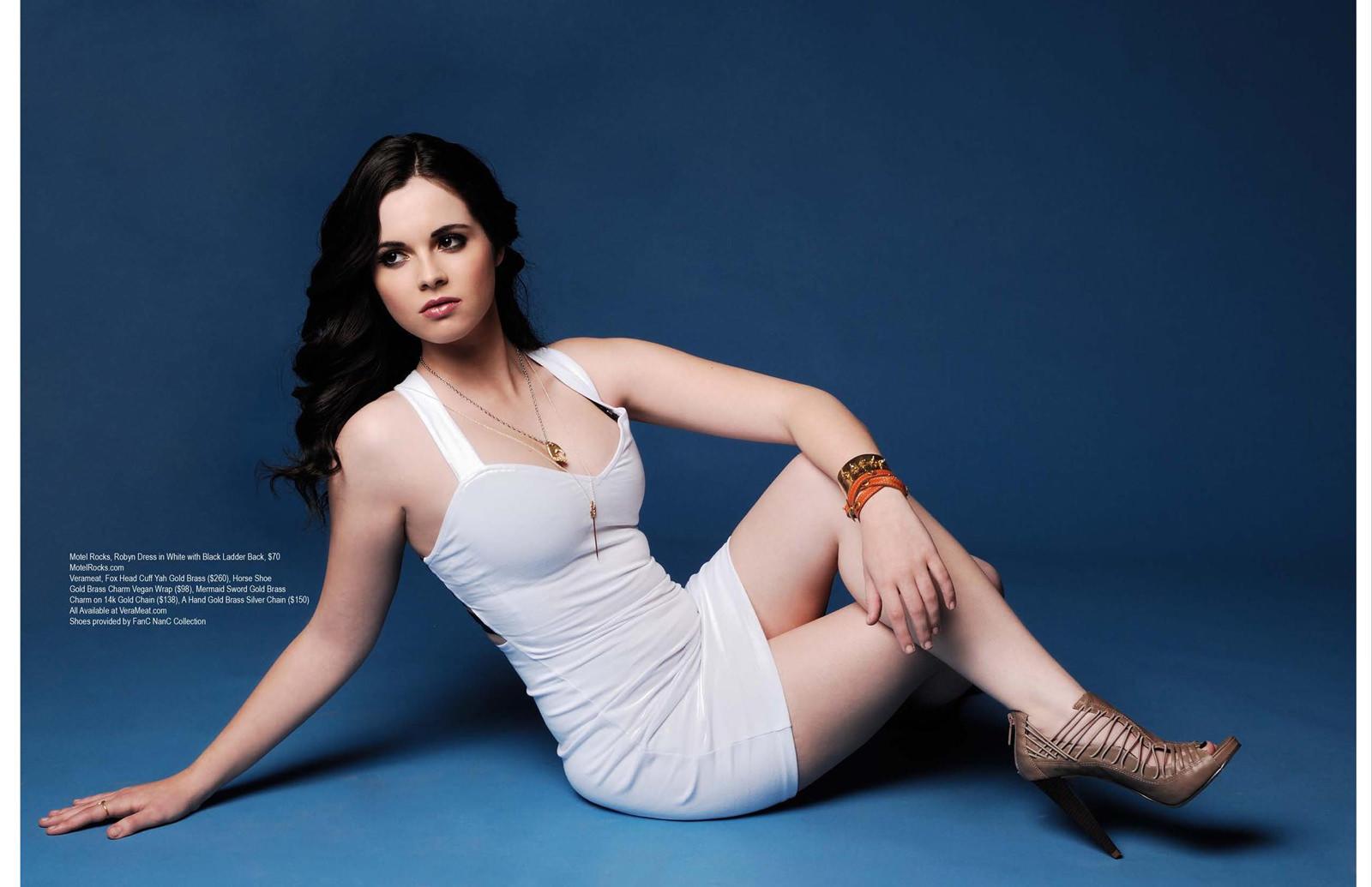 Vanessa Marano Photo Gallery