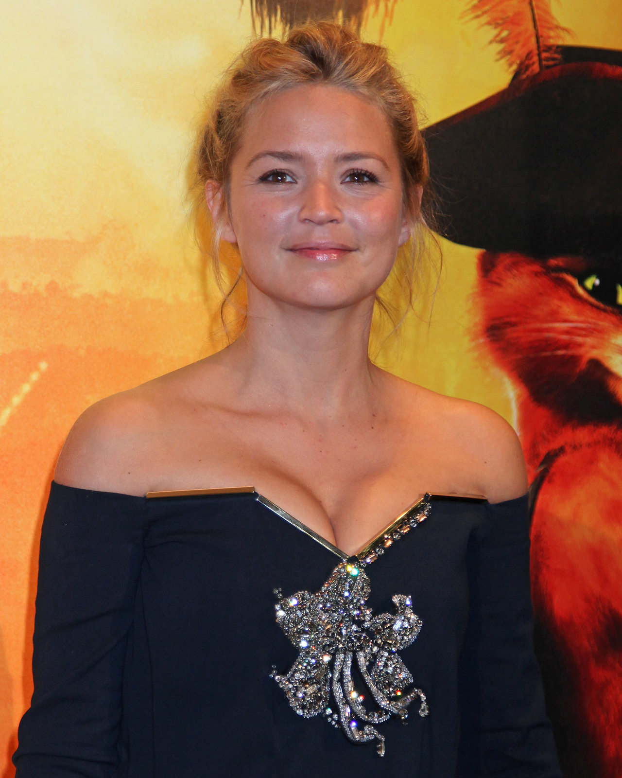 Virginie Efira Photo Gallery