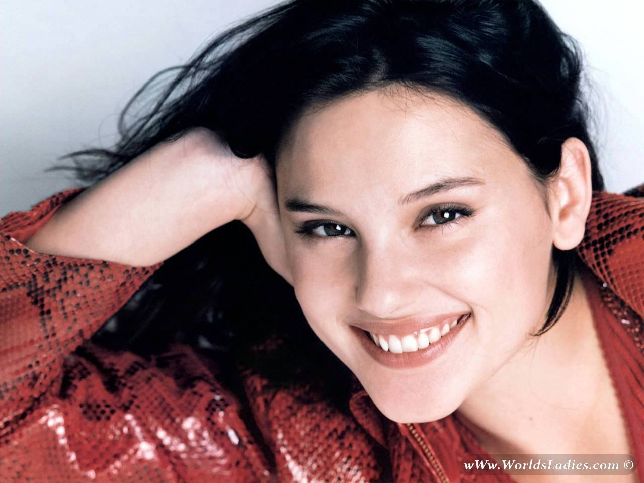 Virginie Ledoyen Photo Gallery