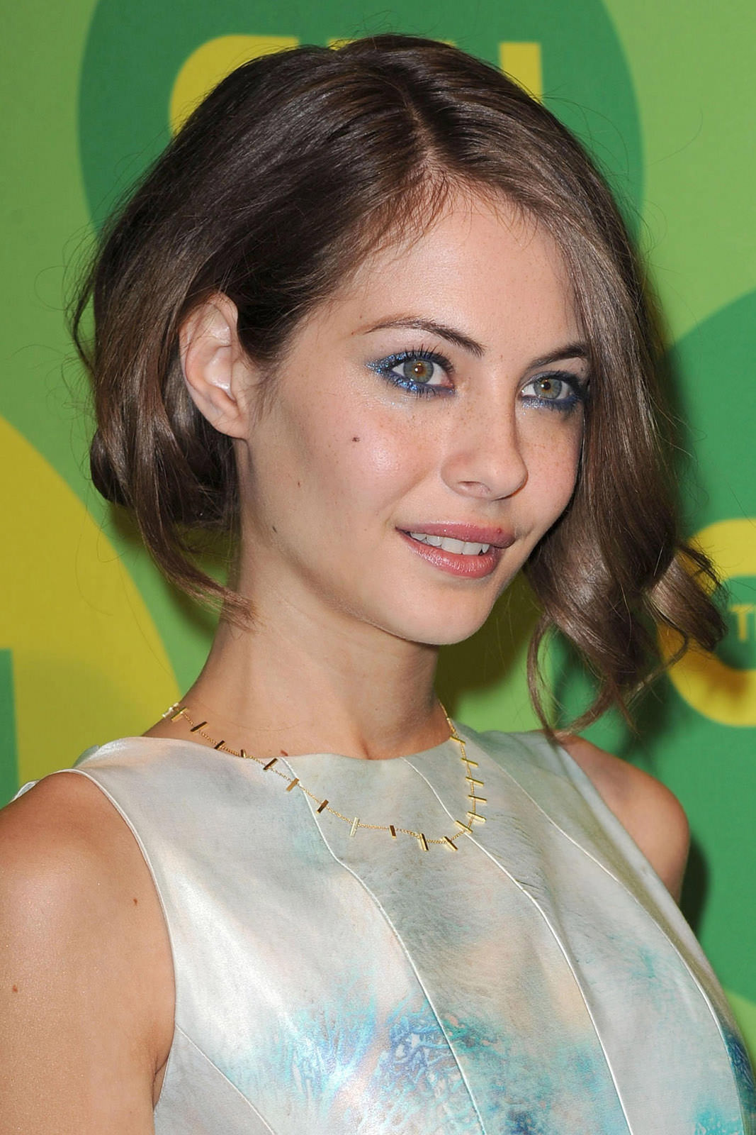 Willa Holland Photo Gallery