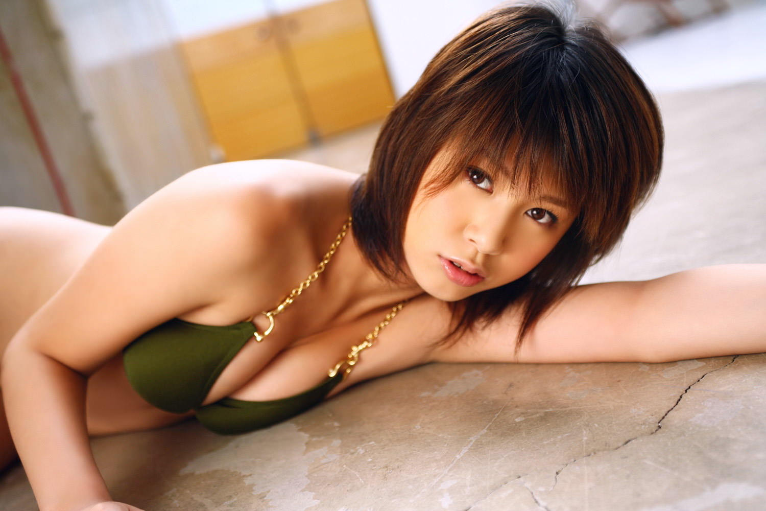 Yuka Kosaka Photo Gallery