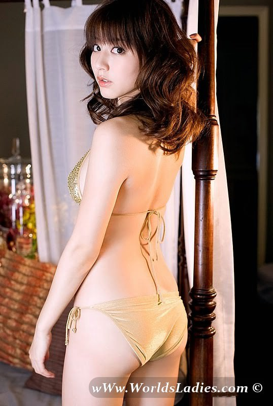 Yumi Sugimoto Photo Gallery