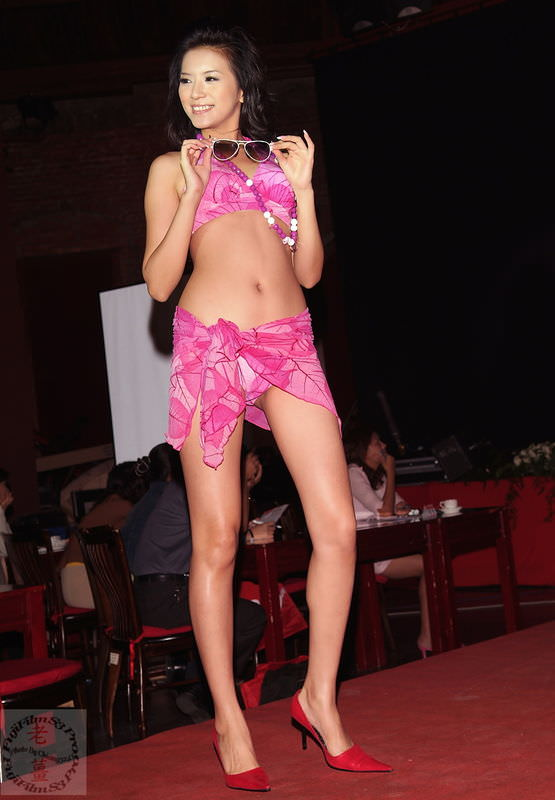 Yuni Li Yen Chin Photo Gallery